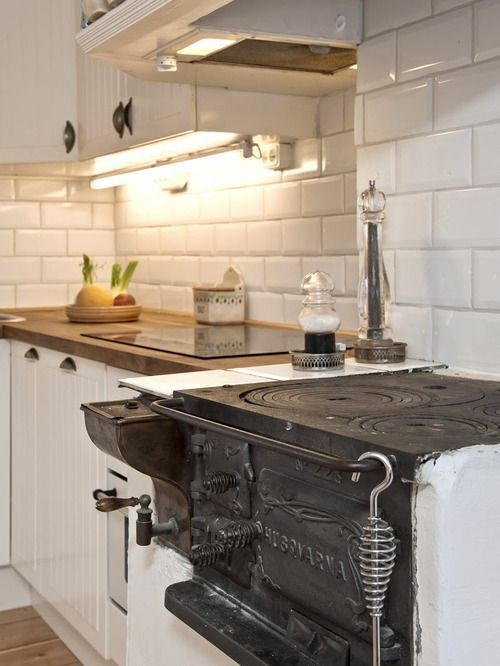 Swedish kitchen - vedspis!Modern farmhouse kitchen Kitchen counter