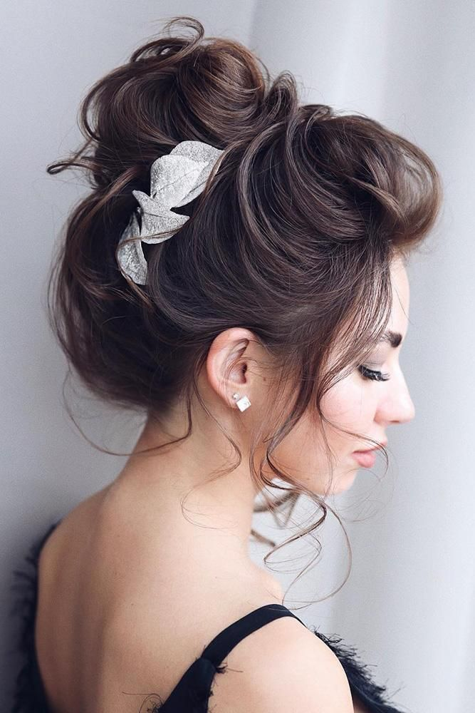Drop Dead Gorgeous Messy Updo Hairstyle Idea Medium Hair Styles Hair Styles Messy Hairstyles