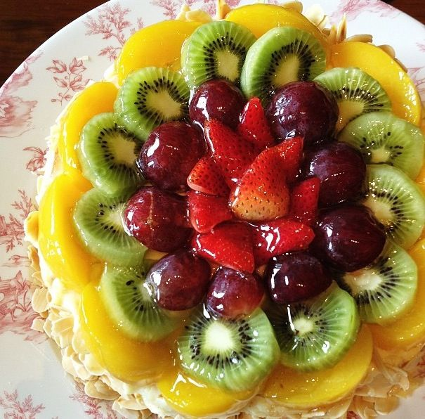 Cake With Fruit Topping : Lovely layered vanilla cake with cream cheese icing ...