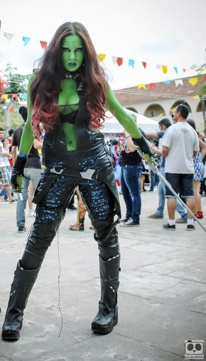 DIY Guardians of the Galaxy Gamora Halloween Costume Idea 3