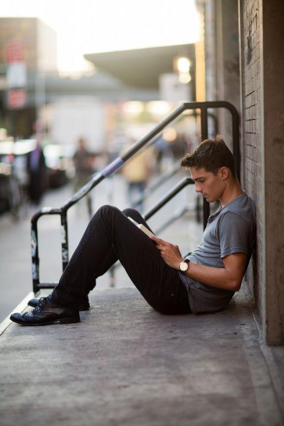 #книги #чтение #фото #book #books #reading #photos #парень