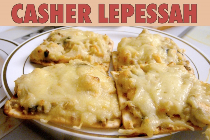 """La recette: Toast de Pessah, via le site """"Les Recettes de ma Mère"""" (casher lepessah,entrée,fêtes juives,fromage,halavi,matsa). http://lesrecettesdemamere.net/recette/toast-pessah/"""