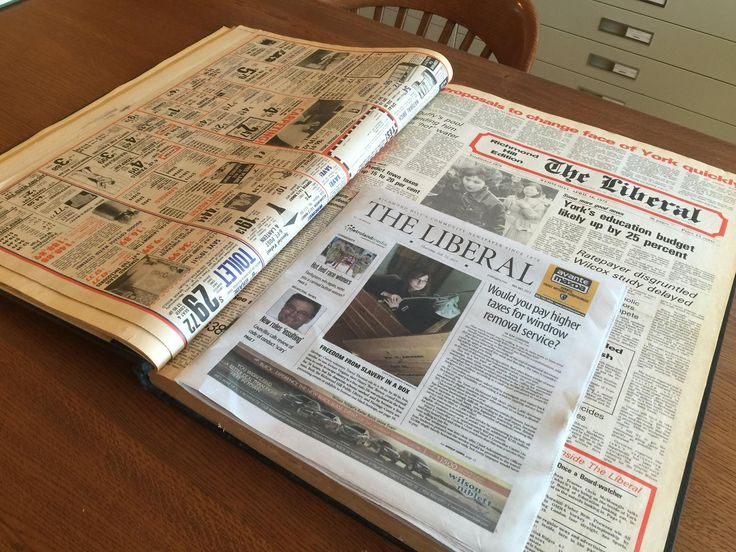 A tale of two dailies for #ThrowbackThursday , we compare the same newspaper from 1975 (below) to another from 2015 (above). Unreal to see how much larger they used to be.