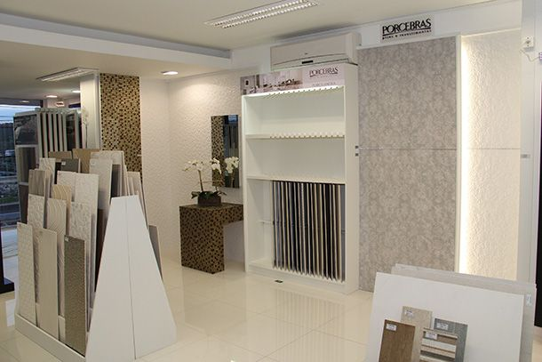 Showroom porcelanosa na decori showroom porcelanosa for Showroom flooring ideas