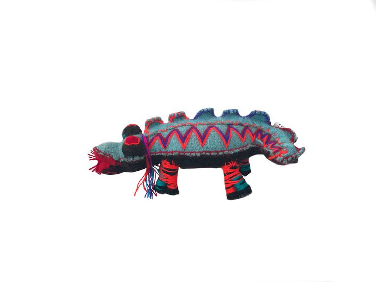 Blue Crocodile - Woollen animal from Chiapas, Mexico
