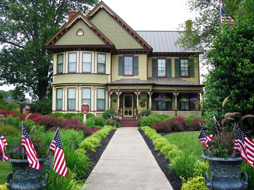 17 best images about my hometown on pinterest queen anne for Custom victorian homes