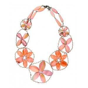 Collar corto flores rosa.  www.sanci.es
