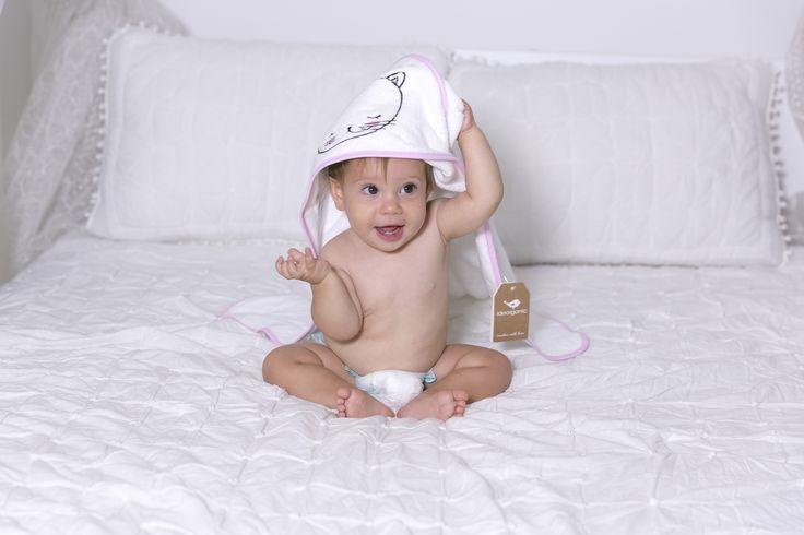 sweety, baby towel, bebek havlu, banyo havlusu, ideorganic, Touches with love, Eğlenceli, Organik Pamuk. bebek hediyesi, Babyshower gift, gift idea, gift for mom, mom to be, hamile hediye, yenidoğan hediye
