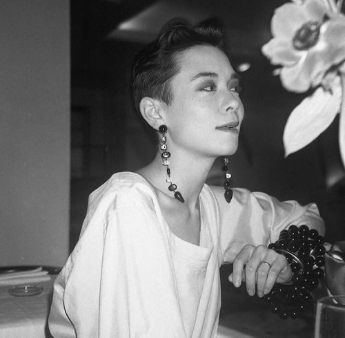 Tina Chow In 2020 Face Hair The Style Council Chow Chow
