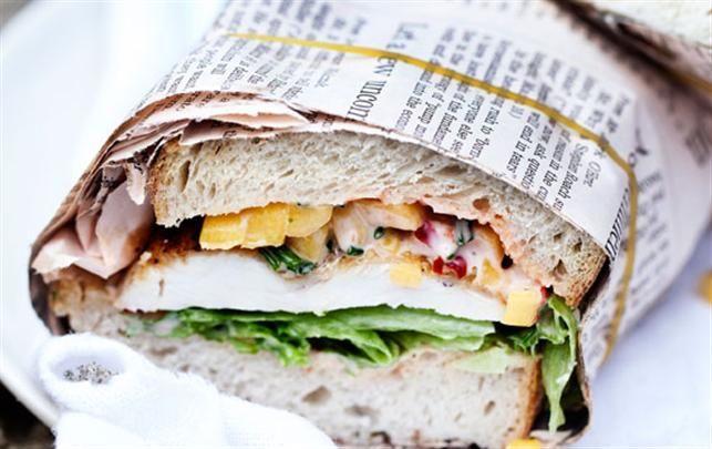 Sandwich med kylling, mango og chili mayo