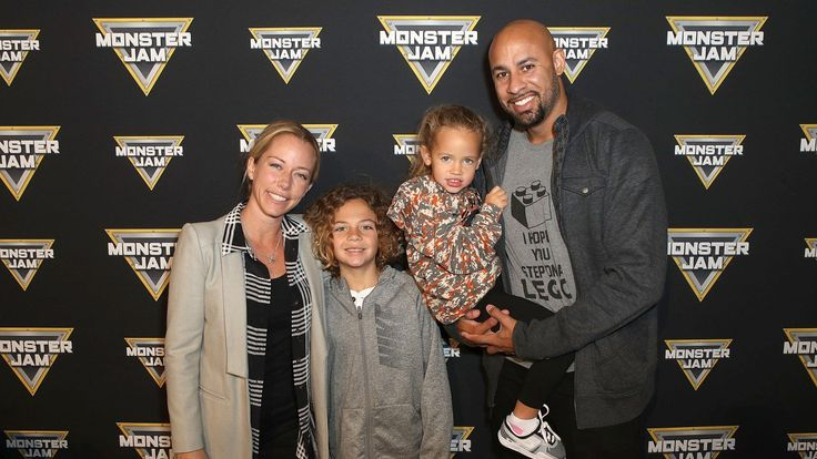 Despite the fact that she admitted there are some marital problems going on, Kendra Wilkinson Baskett and Hank Baskett still managed to have fun along with their children Alijah and Hank IV during a family day out. Are the issues solved at this point or did they just make an effort for the sake...