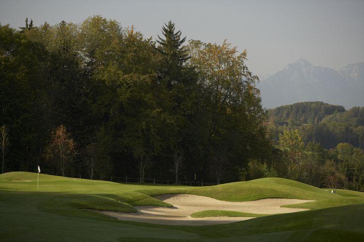 Bergpanorama auf Loch 12 am  Golfplatz Gut Altentann