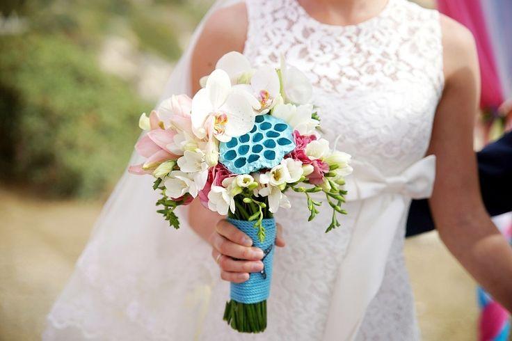 Экзотическая свадьба на Кипре, Свадебное оформление и флористика, Букет невесты