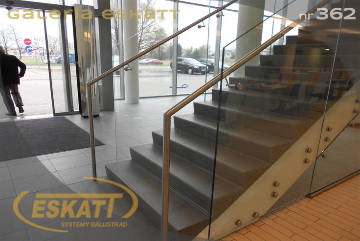 Structural glass balustrade attached with clamps #balustrade #eskatt #construction #stairs