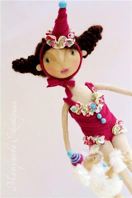 База блогов и дневников на Blogspot (Blogger): Екатерина Магсумова. Интерьерные текстильные куклы Блог посвящен моим авторским интерьерным текстильным куклам.  Это тильды, тыквоголовики, кофейные, ароматизированные куклы.