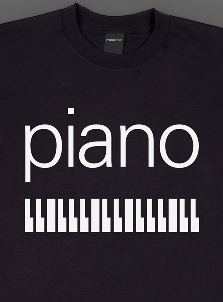 Remera musicwear  piano blanco sobre negro