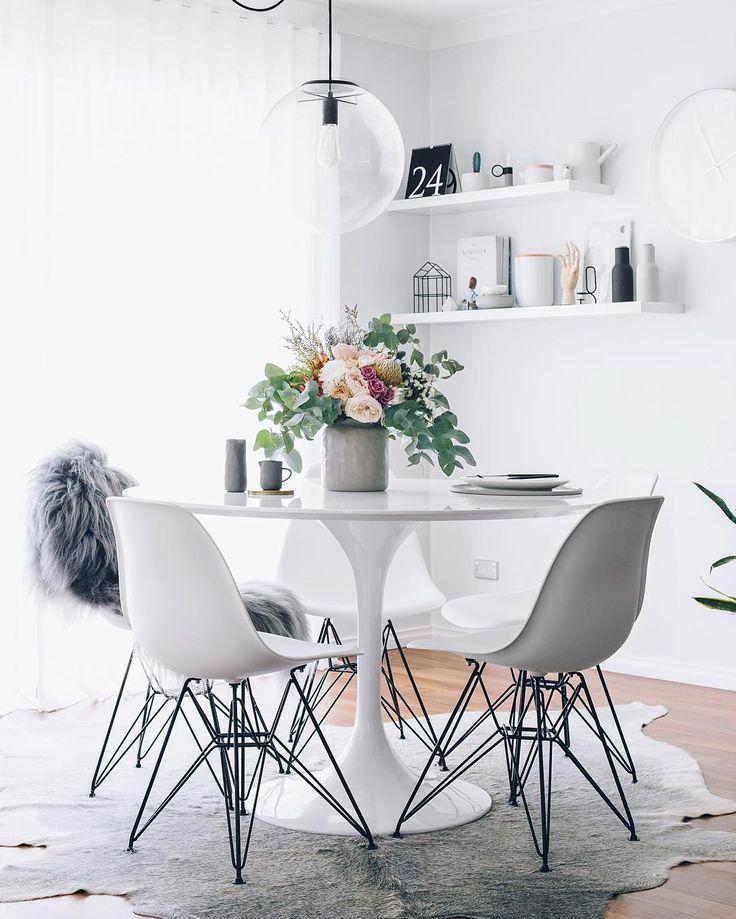 Witte ronde tafel scandinavië