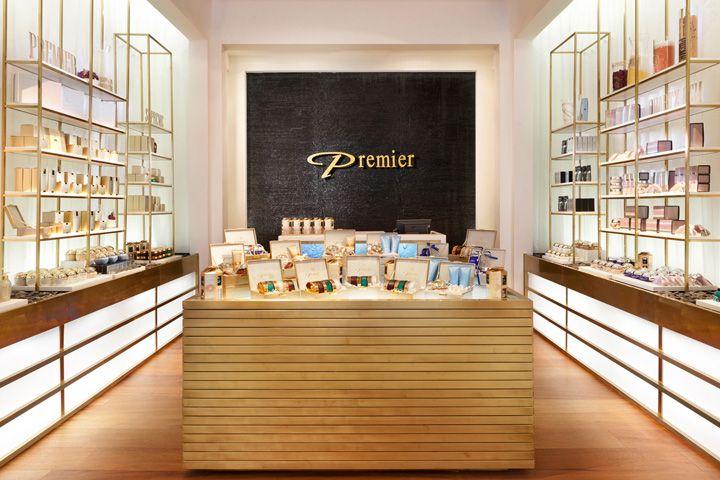 Дизайн магазина косметики Premier by Dead Sea в Израиле