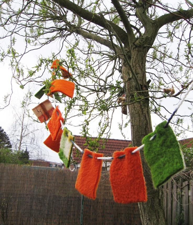 Vlaggetjes van oude dekens.