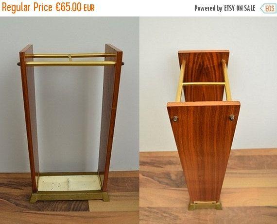 Vintage Schirmständer / Regenschirmständer   Holz, Teak, Messing, West Germany   60er, Mid Century Modern von ShabbRockRepublic auf Etsy