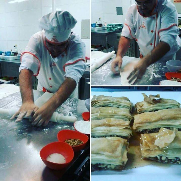 Confeitaria árabe #massafilo #baklava #iga #gastronomia by luizeduardoveras http://ift.tt/27xxskh