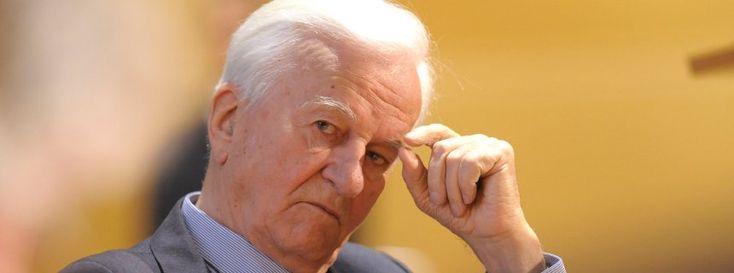 Ein einziger, befreiender Satz! Er hat dieses Amt geprägt wie kein anderer Bundespräsident. Sein großes Ansehen verdankt Richard von Weizsäcker einer einzigen wichtigen Rede - und einem zentralen Satz zum Jahrestag des Kriegsendes. Jetzt ist er im Alter von 94 Jahren gestorben. http://www.spiegel.de/politik/deutschland/richard-von-weizsaecker-im-alter-von-94-jahren-gestorben-a-1016056.html