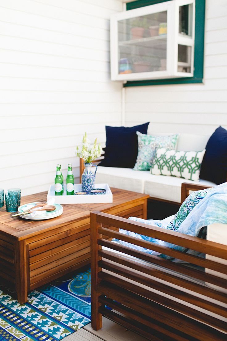 Today's the day! Be sure to check out the big reveal + after photos of my lounge-inspired outdoor space with @worldmarket — get all the photos and deck + patio inspiration (and details of a BIG SALE) on jojotastic.com