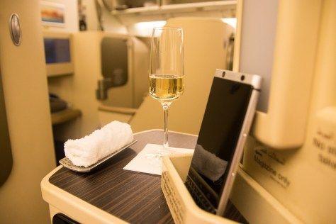 Begrüßungs Champagner Etihad Business Class Boeing 777-300ER