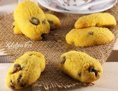 Zaeti,biscotti con farina di mais, ricetta tipica veneta 150 g di burro ammorbidito 100 g di zucchero 60 g di tuorlo 150 g di farina di mais 150 g di farina per dolci e biscotti 5 g di lievito i polvere 100 g di uvetta 20 ml di Rhum
