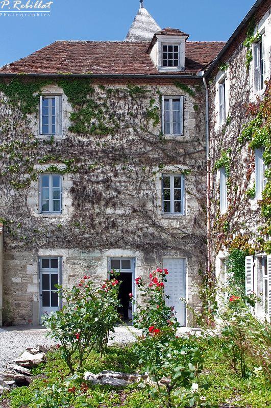 Ancienne abbaye Saint-Vincent à Chantelle Allier.