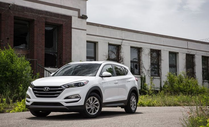 Practicality Matters: Every Compact Crossover SUV Ranked from Worst to Best - Slide 12