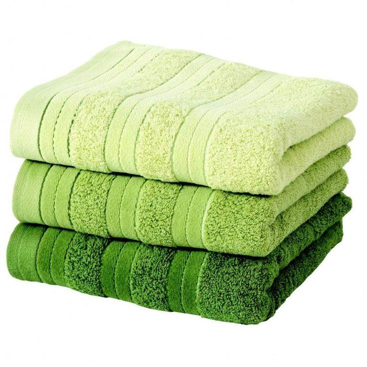 Green towels. . . . .fresh combo. . .nice
