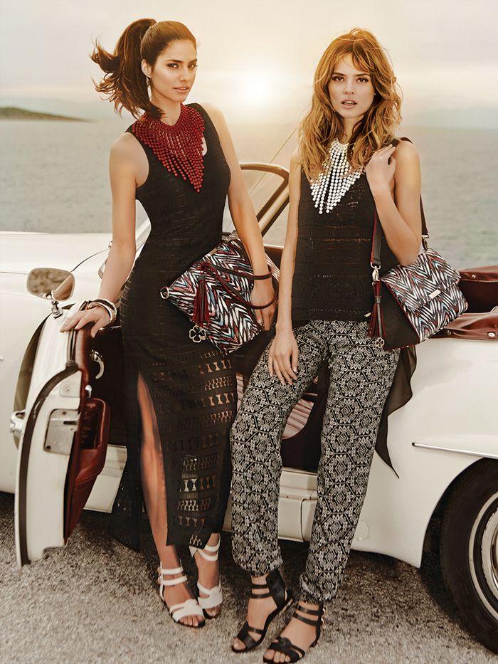Ήρθε η ώρα να βγάλετε τη μποέμικη πλευρά σας και να ντυθείτε με έντονα τυπώματα, δαντέλες με διαφάνειες και τεράστια κοσμήματα για το λαιμό. #fashionTips