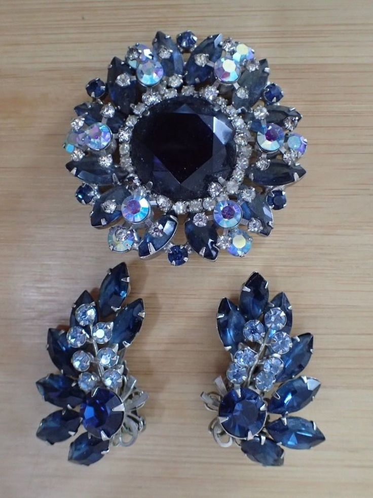 Vintage Juliana Aurora Borealis, White, & Blue Rhinestones Pin/Brooch & Earrings #Juliana