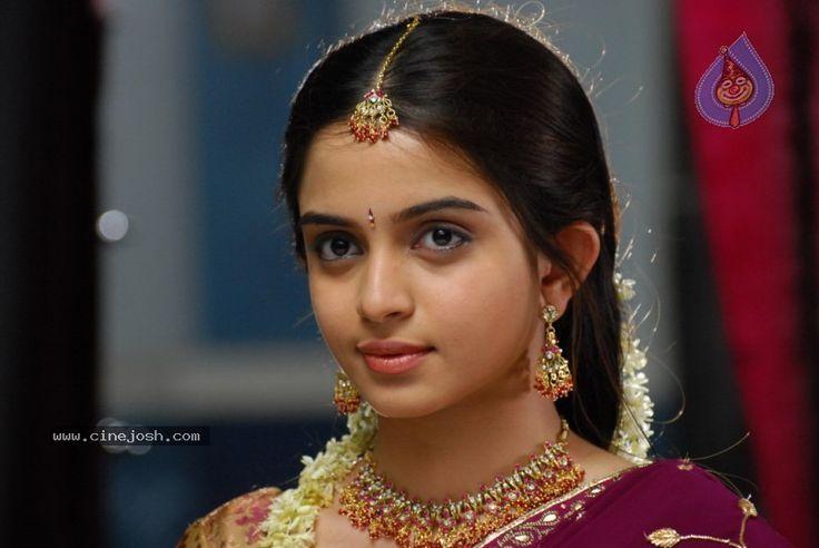 Sheena Shahabadi in Saree