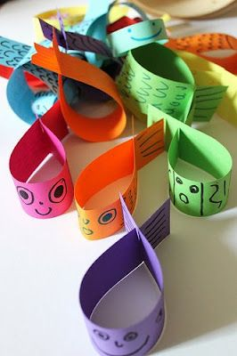 Poissons en papier coloré... à pêcher ou faire voler comme des hélicoptères !