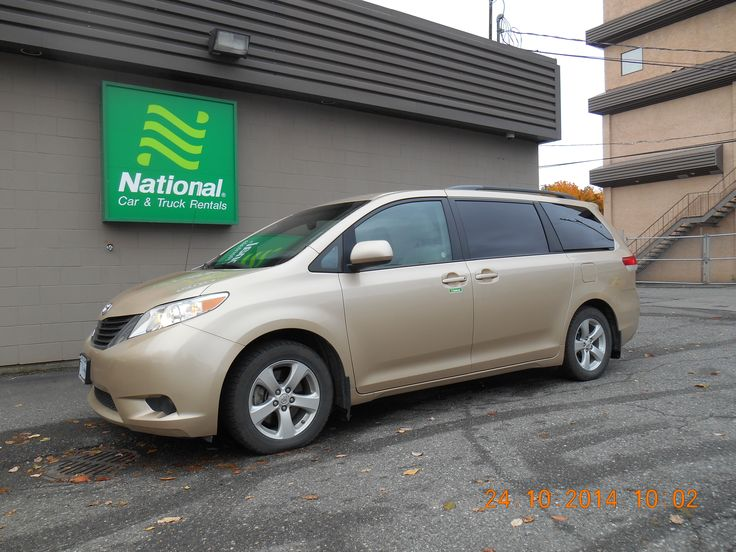 2013 Toyota Sienna LE – 8 Passenger 2 TO CHOOSE FROM 42,385 kms $26,500 www.nationalnorth.com email : nationalfinanceoffice@gmail.com 1-877-572-5370