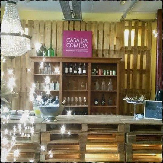 #Paletes de Madeira n'O Cacau Lounge da @Casa da Comida  Veja mais: http://maispaletes.com/?p=1137  #pallets #paletes #palletfurniture