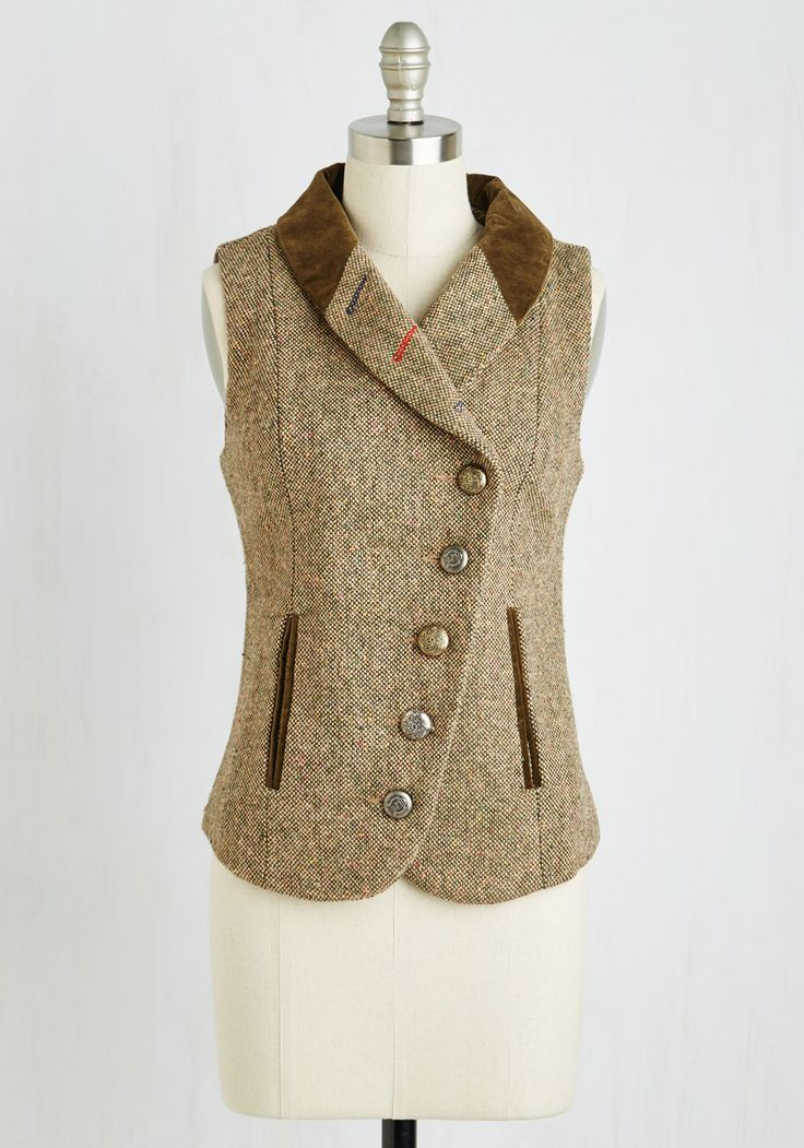 Tweed-ing Lady Vest. For your upcoming audition, you rely on this tan tweed vest for an extra boost of confidence. #brown #modcloth