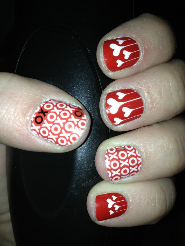Valentines Day #nail wraps! Blooming #hearts and xoxo Love Jamberry nails www.LoveTheNails.com