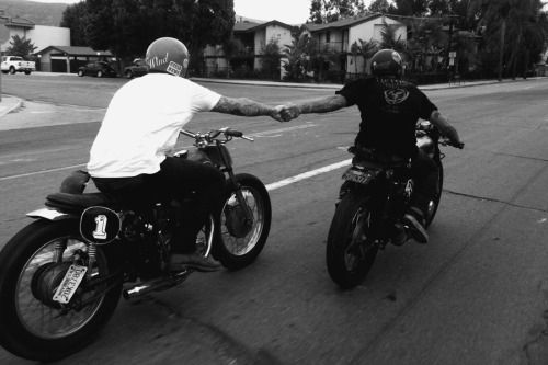 itsbetterinthewind:When you don't feel like walking to the nearest gas station. Curtis & Wyatt making amends.Follow fast-iron for more bobbers, choppers, cafes and hot rods Fast-iron is currently looking for admins who are passionate about motorcycles and would like to contribute to one of the biggest custom motorcycle blogs here on tumblr. If you thinks you are fit for the posistion message me on tumblr.