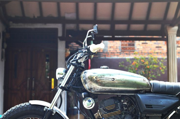 "Honda GL III / Megapro 2005  ""Silver Cash""  Custom by  "" DWellners KustomSlaughter "" good picture"