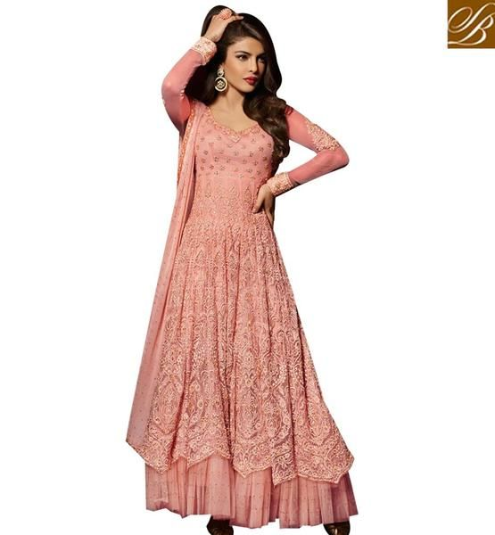 STYLISH BAZAAR BOLLYWOOD STAR PRIYANKA CHOPRA IN MARVELOUS EMBROIDERED DESIGNER SALWAAR KAMEEZ JNHR5038PE