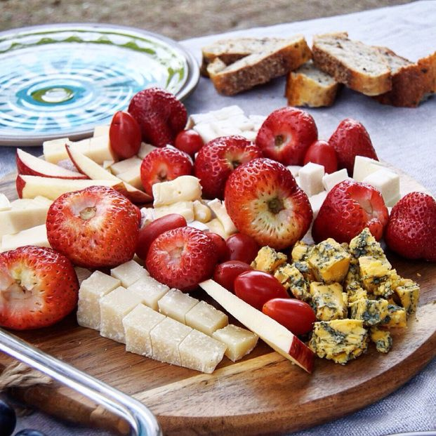 Cheese board - cute picnic ideas