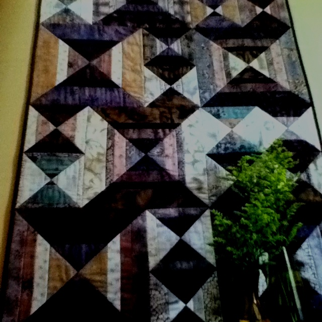 """This is from one of my mom's quilting magazines. Ordinarily I'm not a fan of quilts (too """"country"""") - but I LOVE this."""