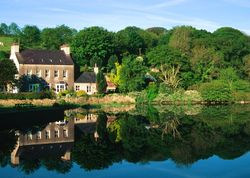 Cresswell House | United kingdom Pembrokeshire Wales. Heaven for walkers, bird watchers, lovers of a cosy room, an easy-going atmosphere and a good pub - close to Pembrokeshire's glorious coast