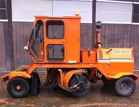 $7600.00  BROCE RJ300 Sweepers / Broom Equipment For Sale At MachineryTrader.com