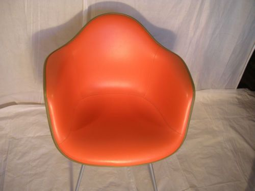 (New Price) Herman Miller Upholstered Arm Chair in West Loop Gate, Chicago ~ Apartment Therapy Classifieds