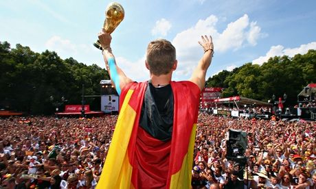 Germany team return to heroes' welcome before Brandenburg Gate