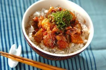 10分でできちゃう、簡単!鳥丼 作り方♪「鶏と板コンの照り焼き丼」